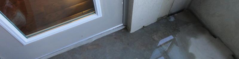 balcony_pooling water near door
