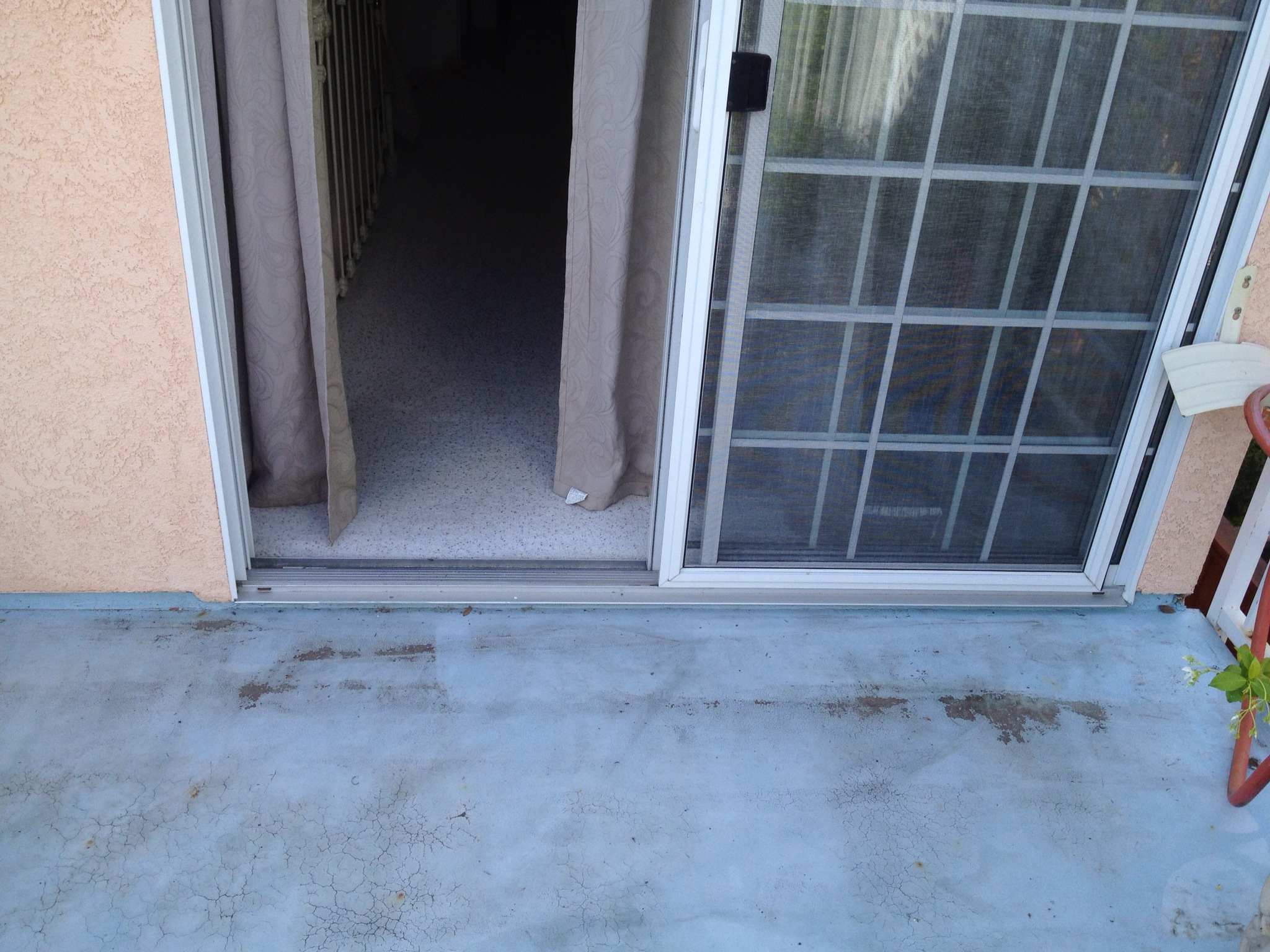 Sliding Door Leaking Water 2048 x 1536